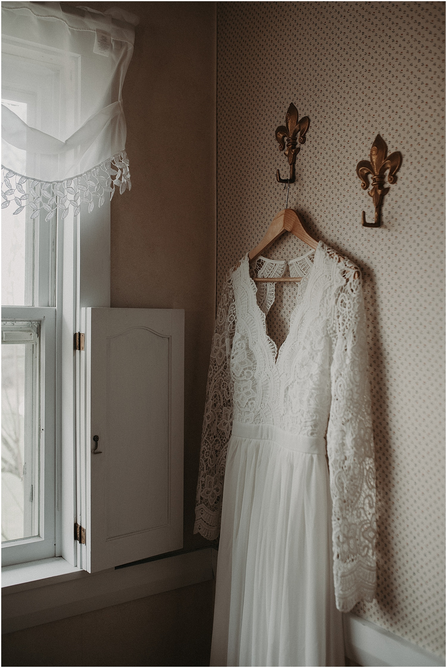 brides dress at the Wildflower Workshop 2019