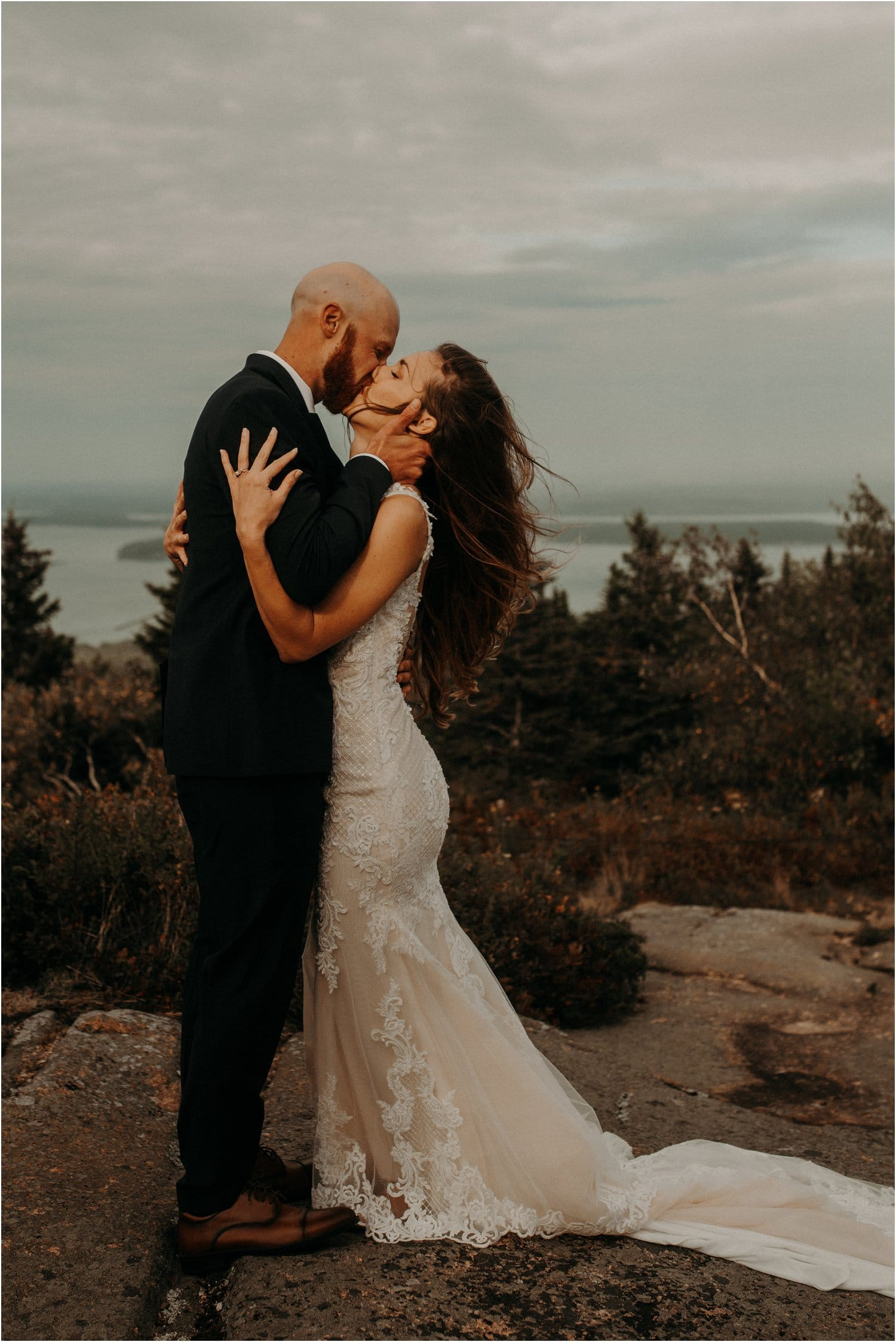 first kiss wedding cadillac mountain acadia national park