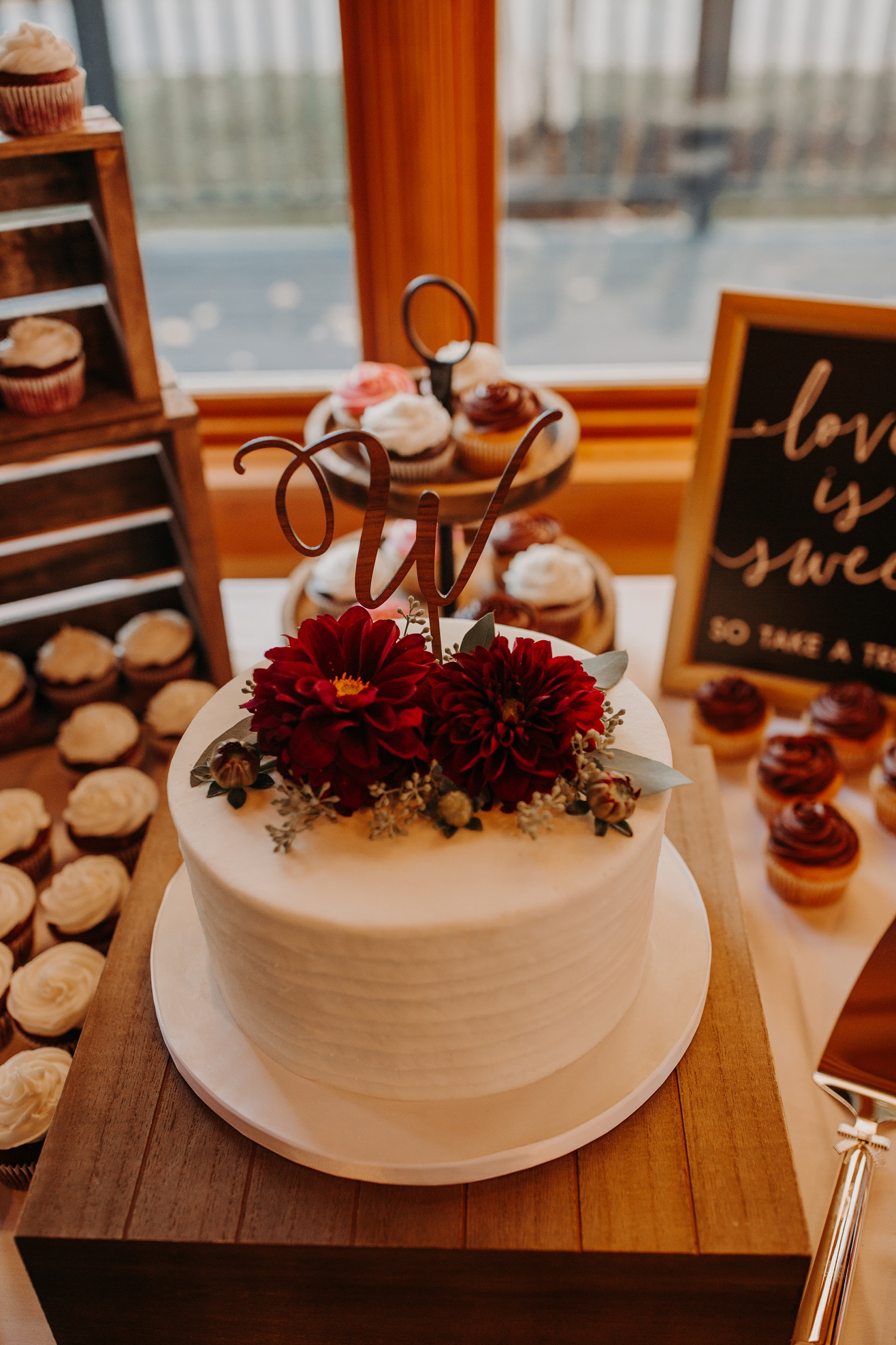 sunday river jordan hotel wedding cake